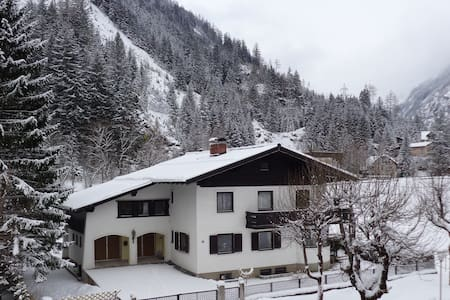 Ensuite Double Room No 3 Bad Gastein - Badgastein - Maison