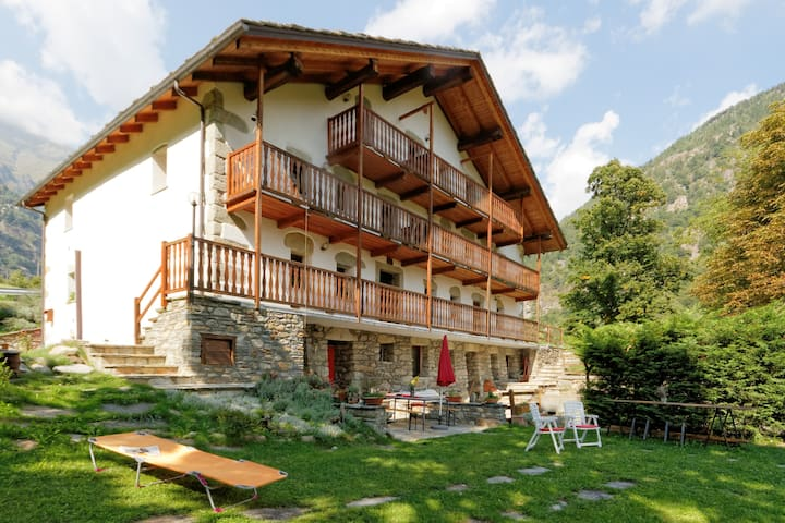 B&B  in appartamento indipendente - Issime - Bed & Breakfast
