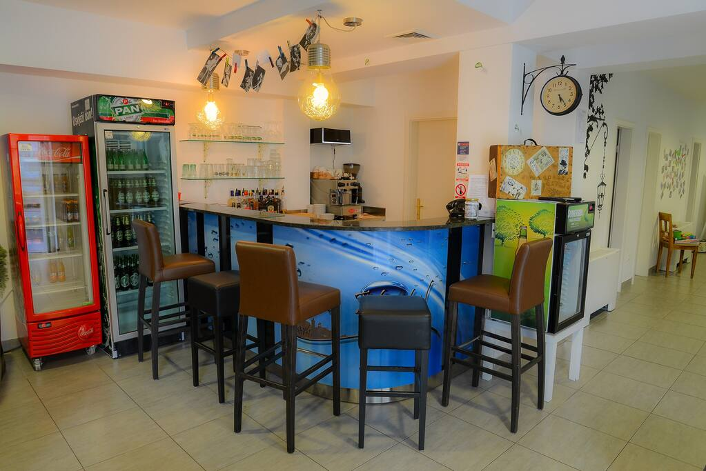 Bar working hours 8:00 - 23:00