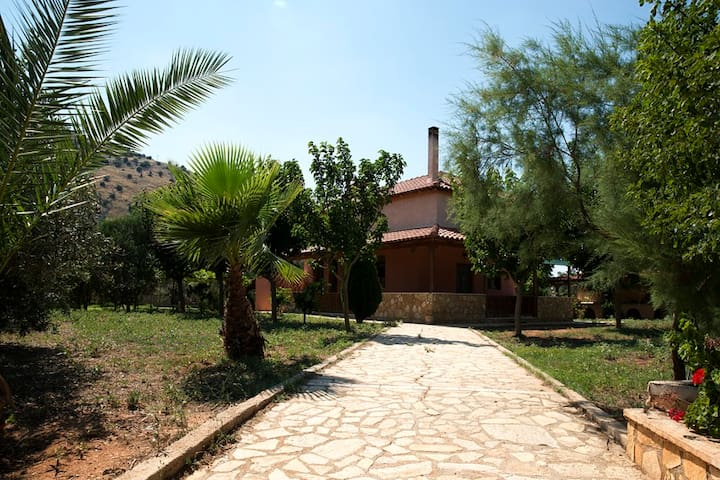 Lovely Country House near Nafplio - Νέα Τίρυνθα - 別荘