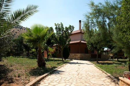 Lovely Country House near Nafplio - Νέα Τίρυνθα