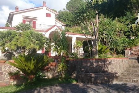 Villa Santulli - for Relax Lovers - Laureana Cilento - Villa