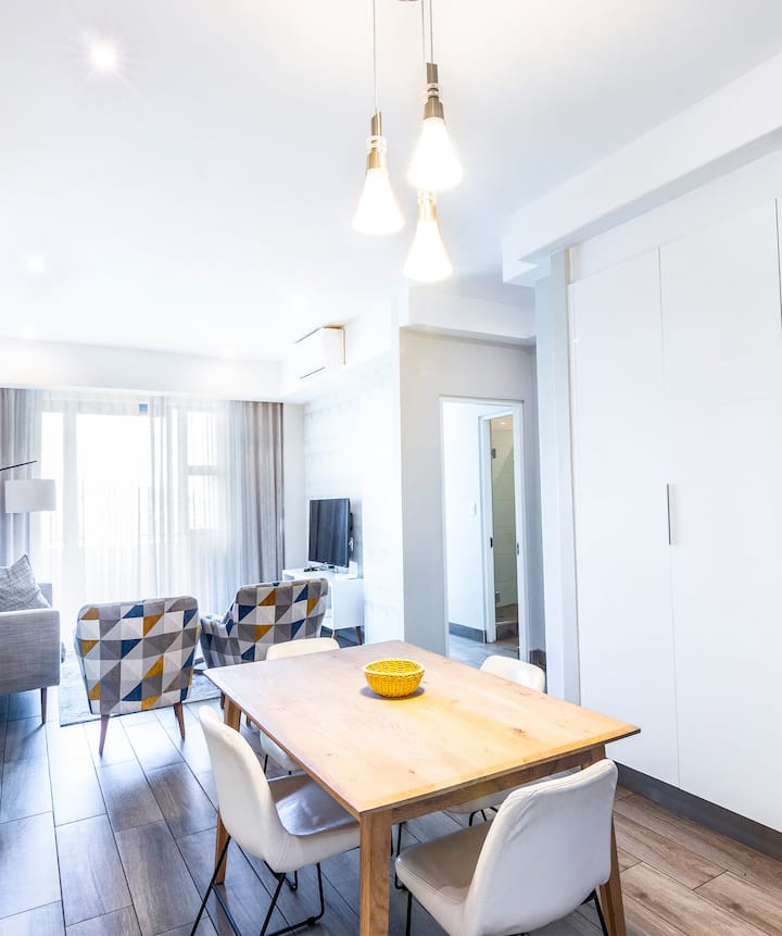 Regency Luxury 2 bed Apartment with city Views