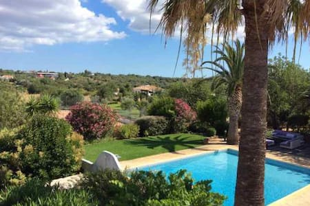 "Domaine de Villa Fonte  ""Olive tree Suite #1"" - Alcantarilha - Bed & Breakfast"