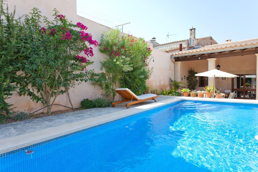 Casa de pueblo con piscina ideal para familias - Casas americanas en espana ...