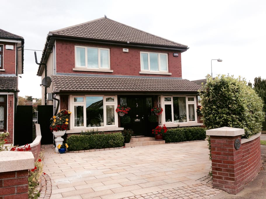 Detached Luxury Home Dublin Suburb Houses For Rent In Knocklyon Dublin Ireland