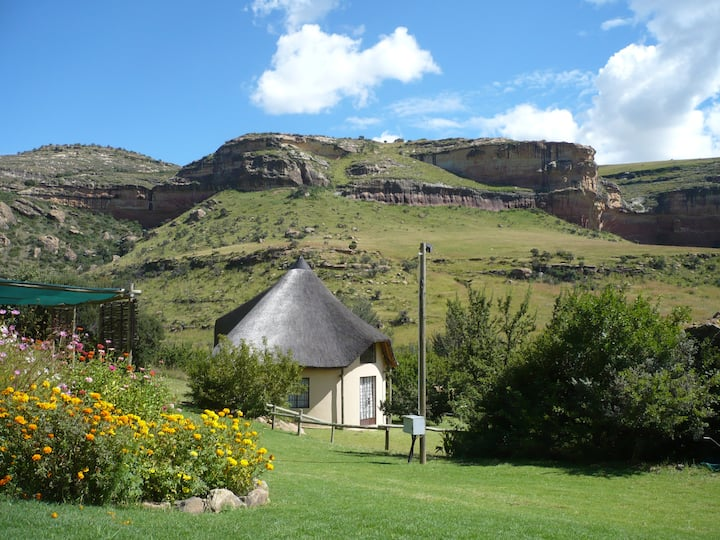 Mafube Mountain Retreat Rondawel near Clarens