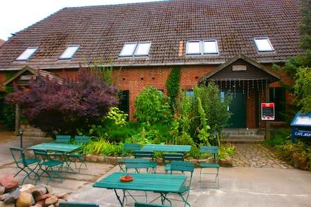 Regina - Thulendorf - อพาร์ทเมนท์