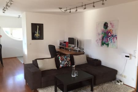 Flat near Oktoberfest (30 Min.) - Poing - Apartment