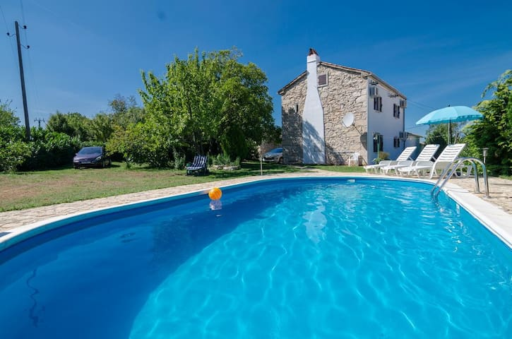 Lovely Stone House with pool - walnut house ,Croatia,Istria - Villa