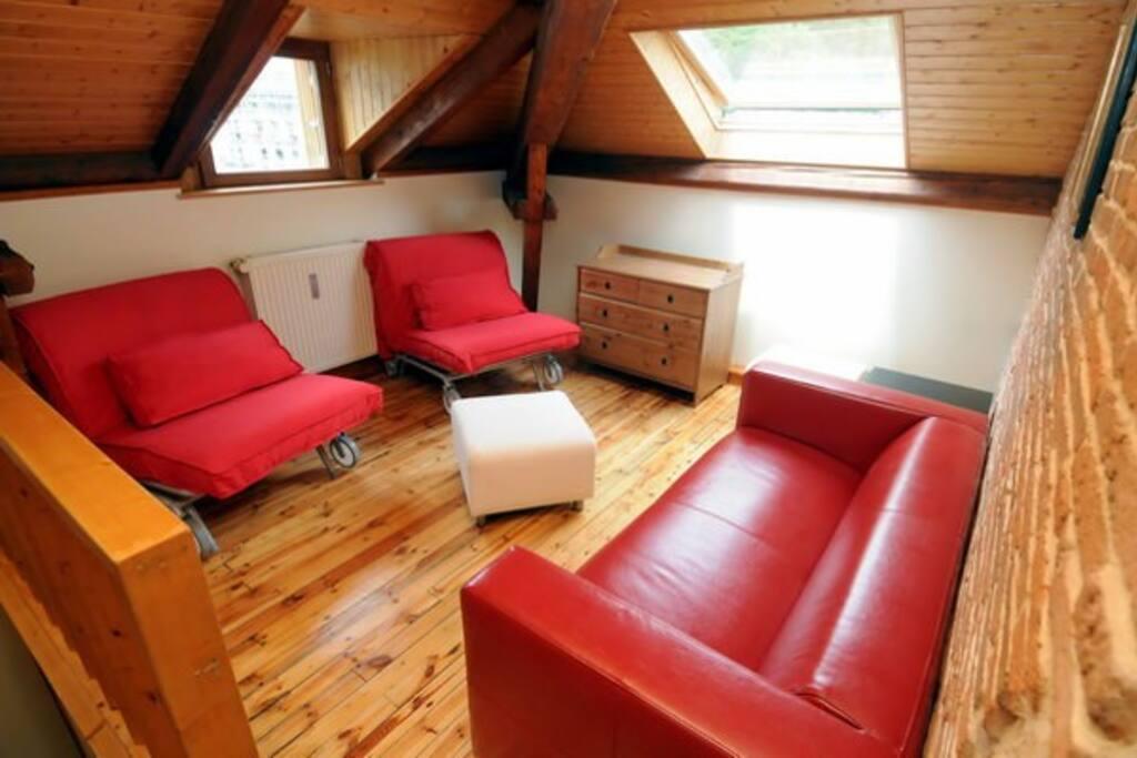 meubl 4 115m2 esprit loft cure ski famille appartements louer la bourboule auvergne. Black Bedroom Furniture Sets. Home Design Ideas