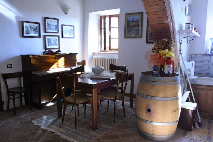 Renovated winery on Tuscan hills - Casciana Alta - Apartemen
