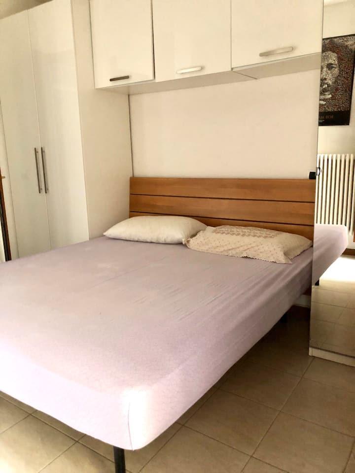 Camera e bagno privato 200metri dal mare Riccione