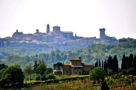 Tuscan holiday in the countryside - Lucignano