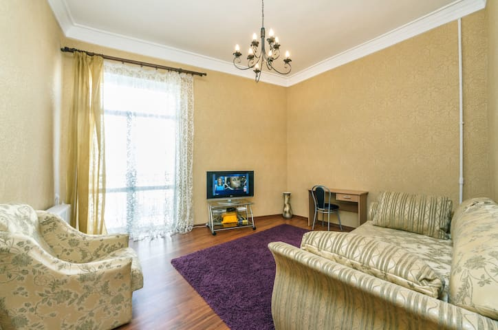 Apartment with a view on Independence Square