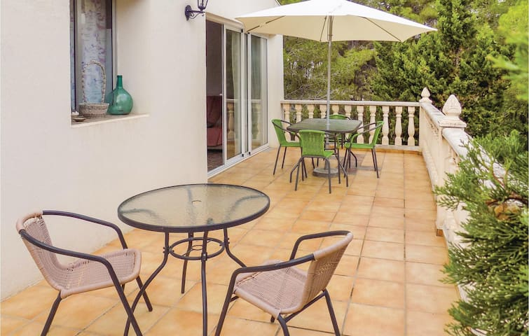 Holiday cottage with 3 bedrooms on 65m² in Turis