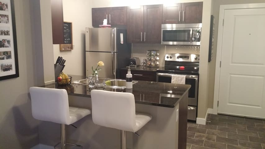2 Bed 2 Bath Condo.Brand NEW! Close to EVERYTHING! - Airdrie