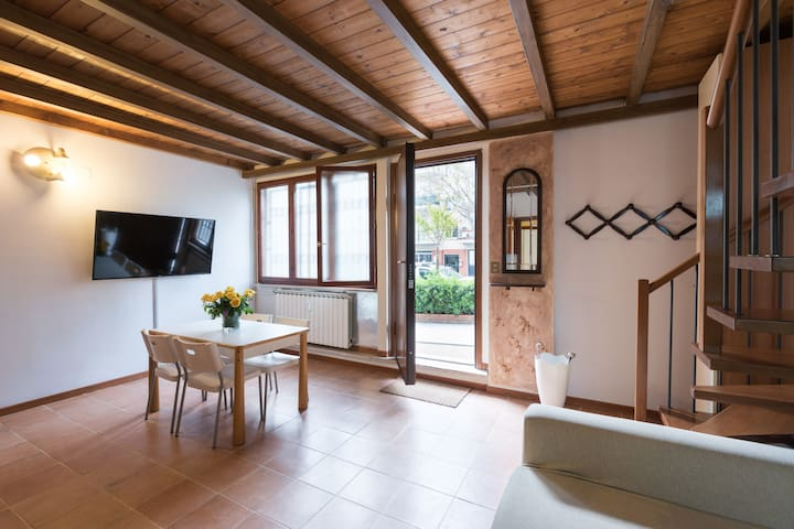 Spacious and bright tuscan appartment - Sesto Fiorentino - Apartment