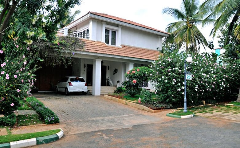 Long term Rental available in Villa - Bangalore - Villa