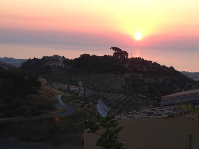 Vacanze Calabria in borgo medievale - Badolato - House