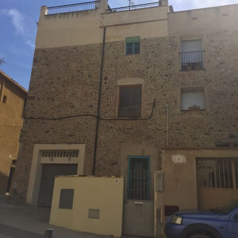 Townhouse in Charming Medieval Town - Peralada