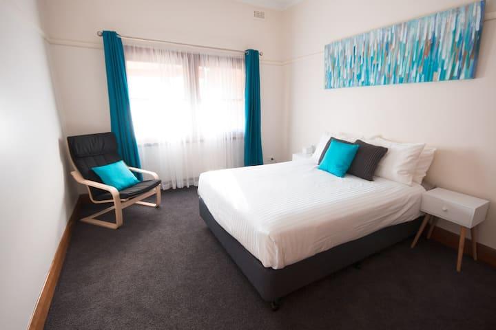 2 bedroom house The Murdoch Short Stops