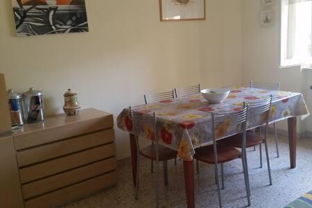 Appartamento centrale 2min dal mare - San Vincenzo