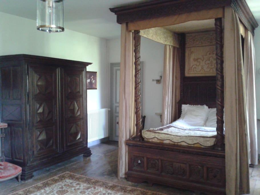 L'ancienne Chambre Gotique du B&B offre un séjour magique et détente assuré