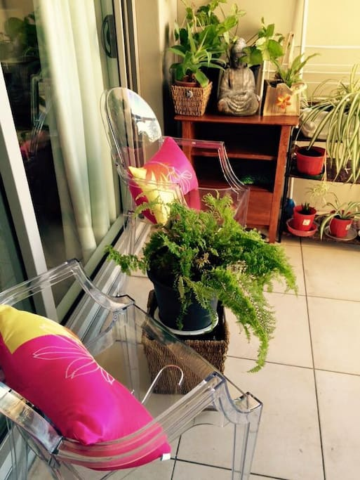 Relaxing pocket garden in the verandah