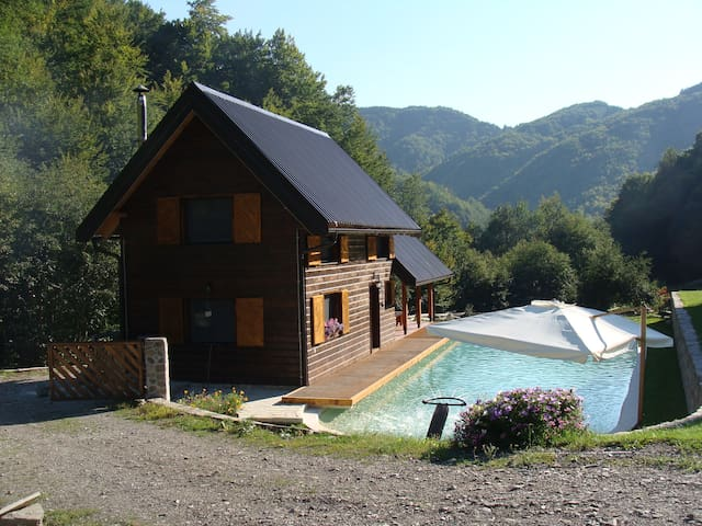 Charmant gîte de montagne (+1200m) - Village de Opasanica, entre Verusa et Matesevo - Hus