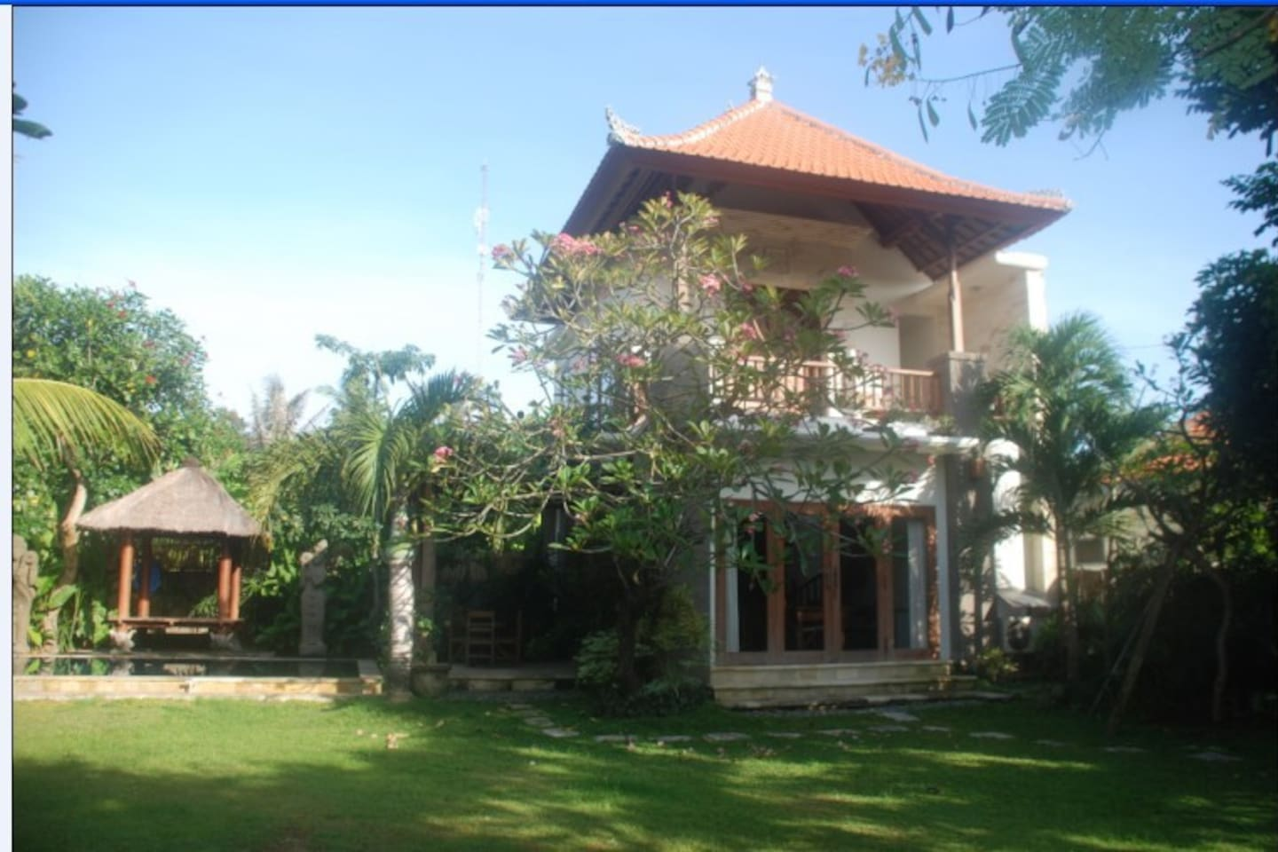 Antique furnished self contained Villa, behind Cambodia tree. With Pool, Thatched Roof Bale, kitchen, en-suite bathroom, and Garden. Super fast fibre optic internet 10MBPS LAN and WIFI