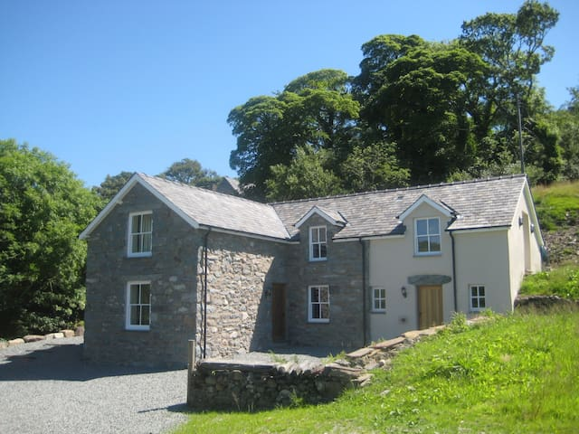 Beautiful Secluded Cottage N.Wales - Eisingrug - Casa