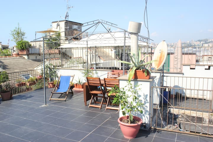 Beutiful Central Terrace Apartment - Genova - Condominio