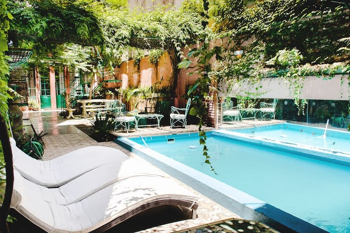 Old printing in a garden, Pool. 2 BD - Buenos Aires