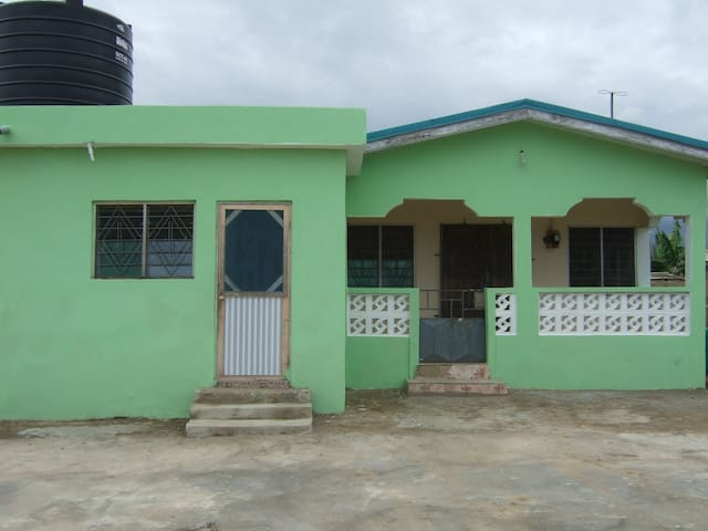 3 bedroom house in Kasoa