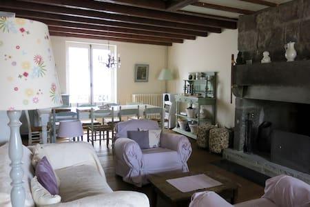 Maison de charme en Auvergne - Murat
