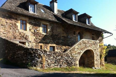 """""""La Maison de Vigneron"""" a 300 yo winegrower house - Saint-Côme-d'Olt - Dom"""