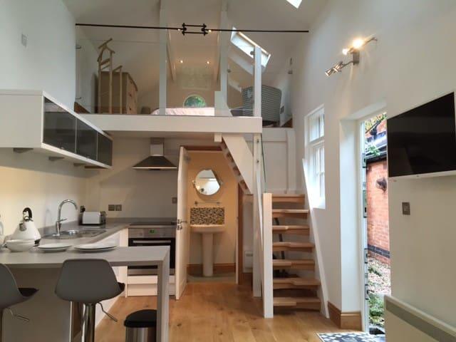 Split level accommodation