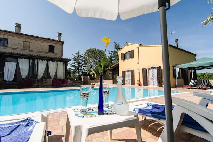Villa with exclusive pool in private park - Recanati
