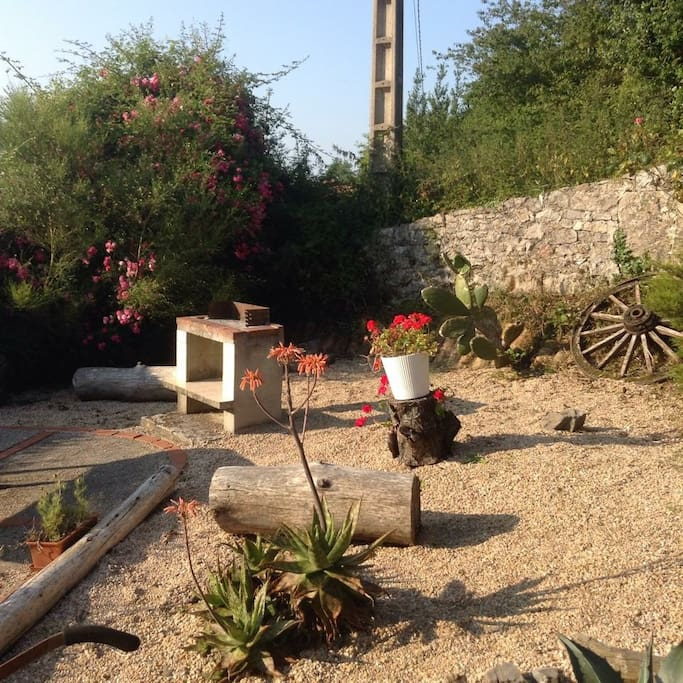 Private guest garden with BBQ