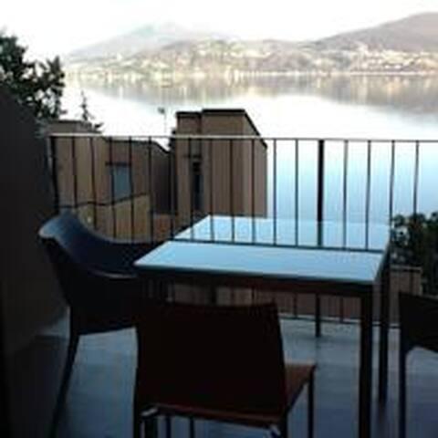 Studio vista lago in Oggebbio - Oggebbio - Apartment
