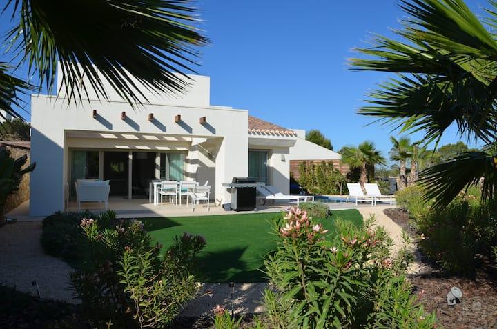Bonita casa & piscina privada Las Colinas Golf