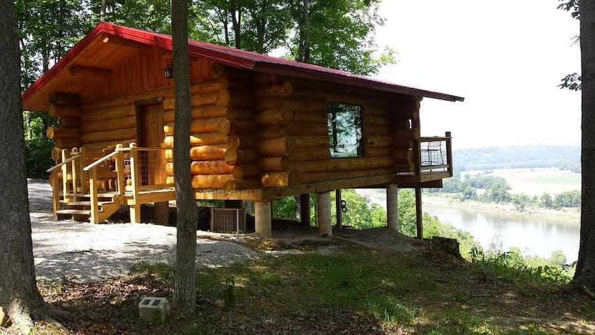 "BIG TIMBER RIVER CABIN(URL HIDDEN) ""The Hawk's Nest"" - Leavenworth - Cabane"
