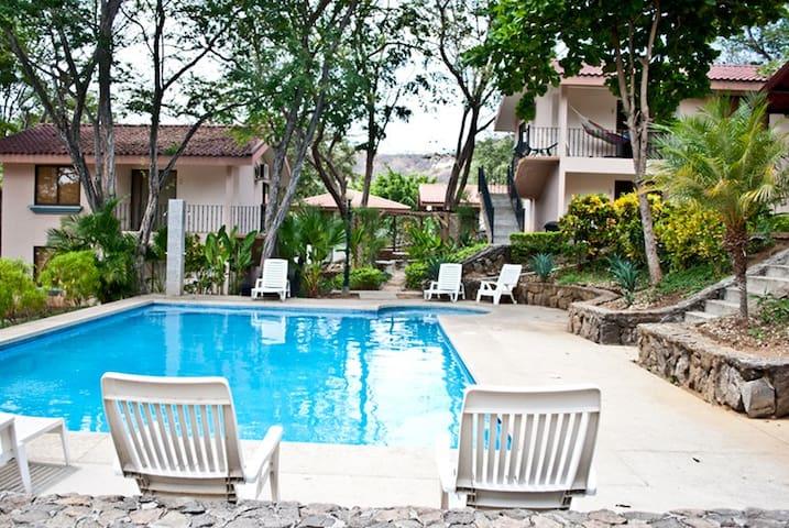 Villas San Angel # 06 - Playas del Coco - Huoneisto