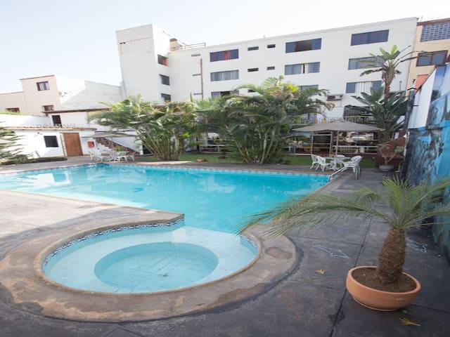 Habitacion Cuadruple-Hotel Nirvana