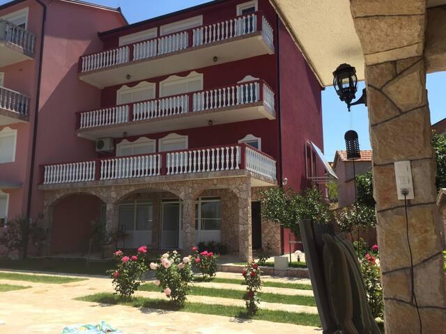 Villa Dzafic, with swim pool - Mostar - Villa