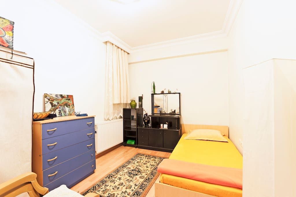ROOM 1 single bed