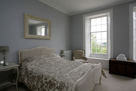 Stunning Provencale Room with beautiful ensuite - Barnstaple - Bed & Breakfast