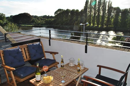 3bed apartment - view over Thames - Kingston upon Thames