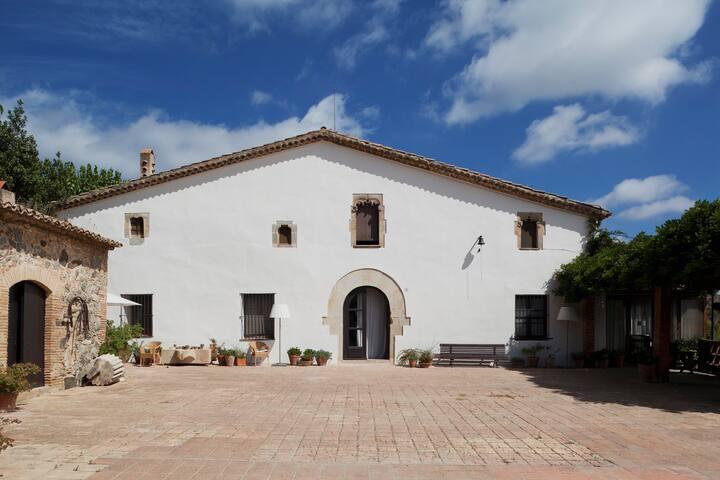 Private eco-villa 20min from Barcelona